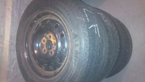 4 WINTER TIRES ON MAGS , MICHELIN X-ICE, LATITUDE 215/170/16 West Island Greater Montréal image 3