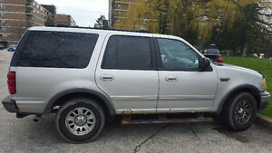 2002 Ford Expedition SUV, Crossover