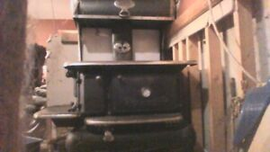1917 New Crawford wood oil kitchen stove