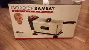 Gordon ramsay 3.0 L deep fryer (NIB)