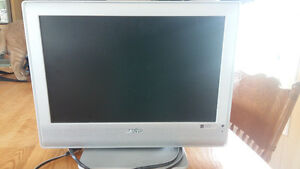 Sanyo 19 inch flat screen TV
