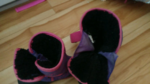 Girls winter boots size 10 and 9