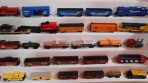 HO model trains 5 locos & 22 x rolling stock