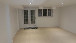 Walk Out 1 Bedroom Unit  Thornhill Woods