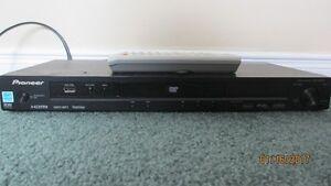 GOOD DEAL!  Pioneer DVD player DV-400V / Lecteur DVD Pioneer