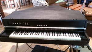 Yamaha CP70 Electric Classic Baby Grand Piano