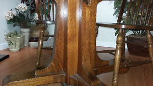 Dining table and 6 chairs Windsor Region Ontario image 2