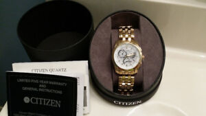Beautiful gold watch. Mint condition