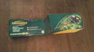 Yardworks Electric Hedge Trimmer