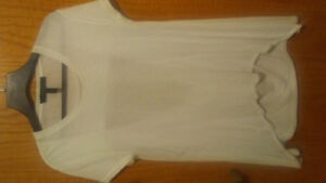 BCBGMAXAZ white cotton top. Size small (fits med)  .