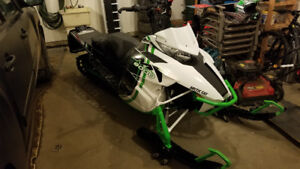 2015 M8000 Arctic Cat with sled deck - Only 269 km! $7,800