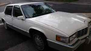 Selling my 93 cadillac saden  Deville