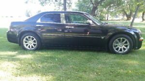 2005 Chrysler 300-Series Bently Sedan