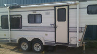 5 th Wheel travel trailer
