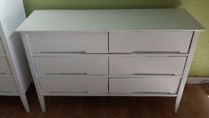 Professionally painted sugar white solid wood dresser set