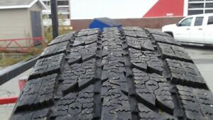 4 WINTER TIRES TOYO OBSERVE GS-I 225/60R18