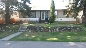 Nice & large 3bdr main close to southgate and UofA - come see!