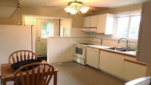 Rental detached house in Bradford, 3-bedroom - Main floor only