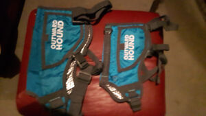 2 NEW THERMOVESTS FOR DOGS AND CAR SEAT BELT HARNESS