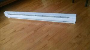 Plinthe électrique 1500W 65po 1/2 très bon état