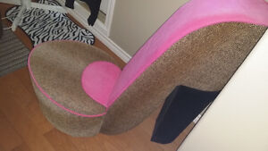 Pink shoe chair novelty item...