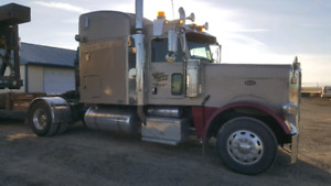 2007 Single axle Peterbilt. Out pull any power stroke!