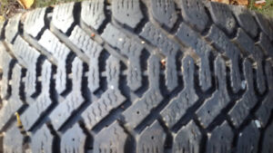 Winter Tires 215-80-r15 (goodyear)