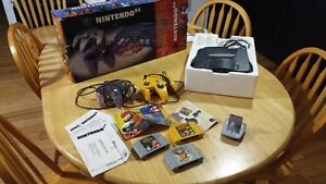 Nintendo 64 Charcoal Grey Console (NTSC) 3 games West Island Greater Montréal image 1