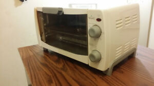 table top oven / toaster.