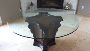 Glass round table set/ Ensemble de table ronde en verre