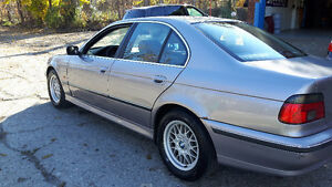 2000 BMW E39 5-Series 528i Great running, clean. Just serviced Windsor Region Ontario image 2