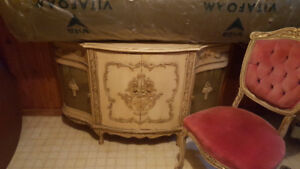 Beautiful French Provincial Dining set