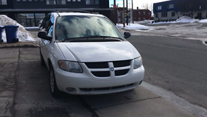 Dodge grand caravan blanche sport toute options