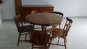 mobilier de cuisine et vaisselier à vendre