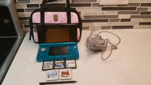 Ninetendo 3DS Turquoise with games
