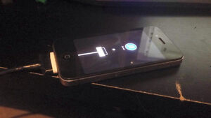 iPhone 4 32 Gig Tres bonne condition