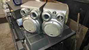 Jvc book shelf speakers  80w
