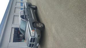 2005 Dodge Dakota SLT Pickup Truck