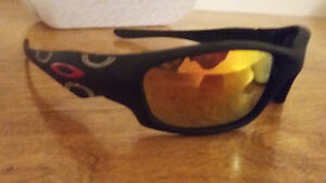Oakleys, minor wear, with case and sleeve. Peterborough Peterborough Area image 1