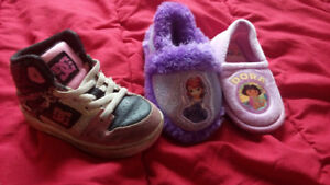 Toddler shoes/slippers