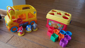 jouets pour tout petit/ toys for toddlers