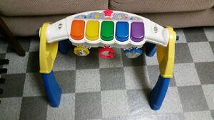 Jouet piano bebe
