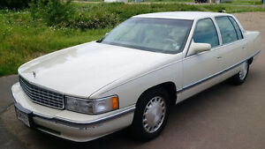 1996 Cadillac DeVille Sedan  ** FLORIDA CAR ** BEAUTIFUL **