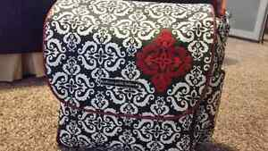 Petunia Pickle Bottom Boxy diaper bag 'frolicking in fez' Kitchener / Waterloo Kitchener Area image 5