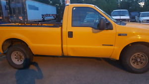 2002 Ford F250 XL 7.3L Diesel Low KMs Safetied