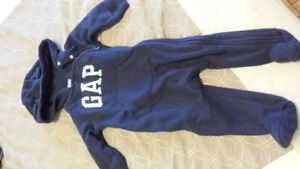 Gap winter suit 3-6 month