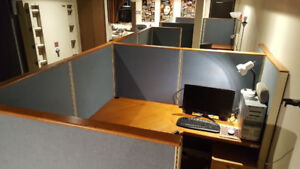 WORK STATIONS  w OFFICE PARTITIONS PANELS SYSTEM