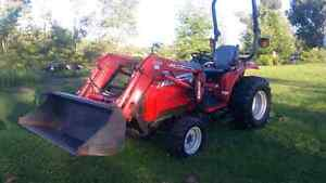 (NEW PRICE!!) 2009 MASSEY FERGUSON 33HP TRACTOR