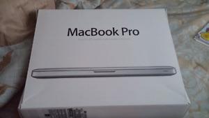 2012 MACBOOK PRO like new Comes w/original box and cords manual