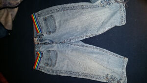 Huge tote of women's jeans over 50 pairs!!! London Ontario image 1